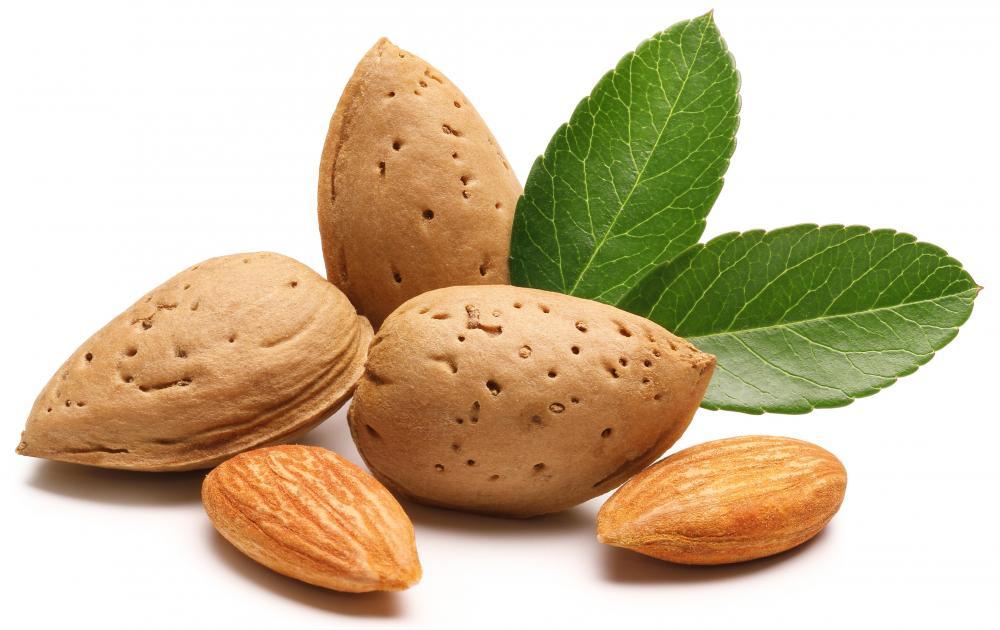kacang-almond-4